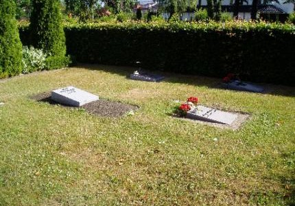 Gamle kirkegård -Kistegravsteder med plade i 10 kvarter.